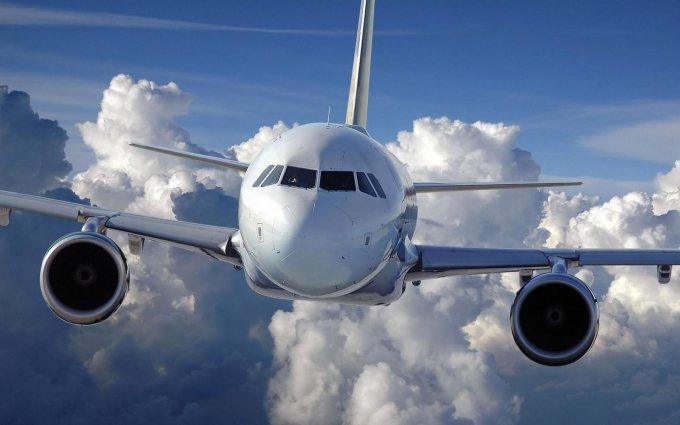 Два самолета столкнулись в парижском аеропорту