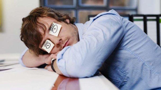 Простые советы, как эффективно бороться с дневным сном