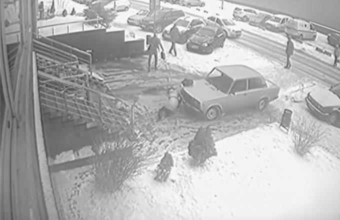 В Сеть попали жуткие кадры ДТП во Львове. Видео