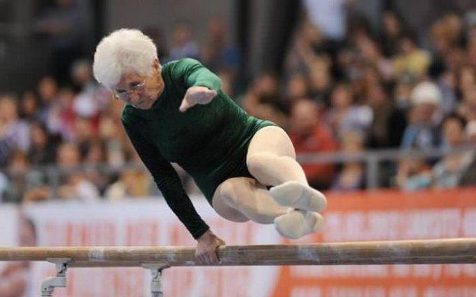 90-летняя гимнастка покорила пользователей Сети. Видео