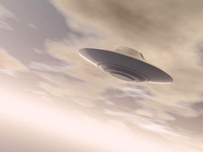 В США показали сенсационное видео с НЛО. Видео