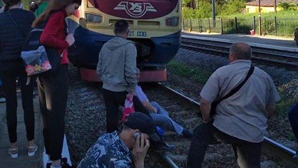 Около Львова пассажиры устроили новейшую акцию сблокированием движения поездов