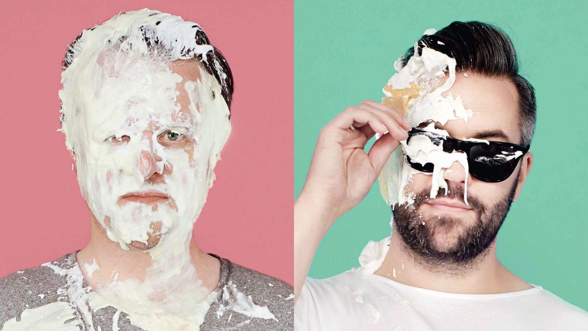В Британии молодых рекламщиков привлекают возможностью бросить торт в лицо директору