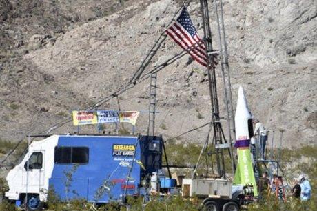 Американец собрал ракету на паровой тяге и улетел на ней. Видео