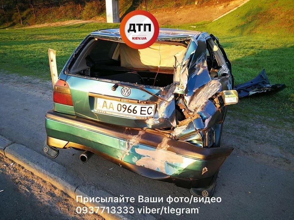 ВКиеве наНабережном шоссе произошло серьезное ДТП спострадавшими