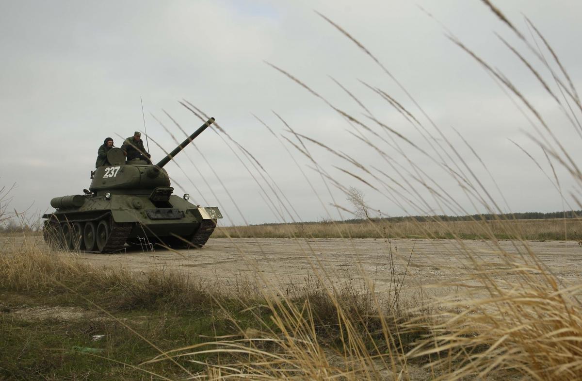 Работа пункта пропуска «Гнутово» была остановлена из-за танкового обстрела боевиков