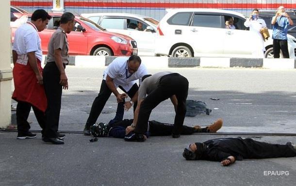 В Индонезии на полицию напали самураи